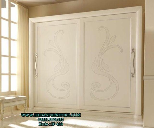 Lemari Pakaian Pintu Geser Mewah Elegan Klasik