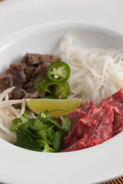 Pho!Beef Noodles Soup, Broth, Peanut, Carrots Green, Tiny Kitchens, Pho Soup, Noodle Soups, Beans Sprouts, Green Onions