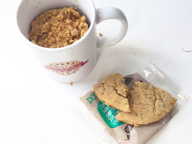 ✔ Donny's mugcake met een misdadig tintje | Donny Craves. Een heerlijke ontbijtje met een basis van havermout, ei, kaneel, yoghurt en bakpoeder. #donnycraves #mugcake #biologisch #organic #kaneel #appel #breakfast #ontbijt #homemade #ontbijtinspiratie #ontbijt #healthy #gezond #suikervrij #zondersuiker #recept #havermout #oats #oatmeal #haver #haverkoek