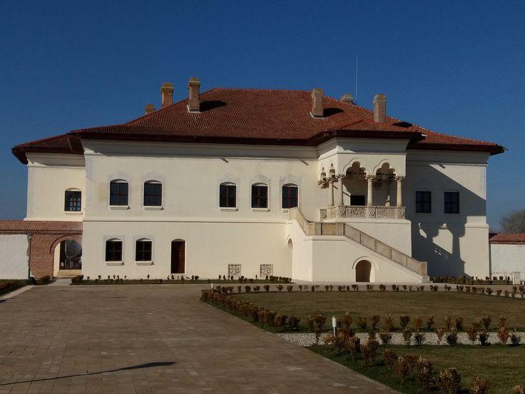 All sizes | Palatul Potlogi, (Romania, Potlogi), martie 2017, palatul de la Potlogi ă fost construit cu 2 ani înaintea capodoperei brâncovenești de la Mogosoaia, (Samsung Galaxy J 5, 13 Mpx) | Flickr - Photo Sharing!