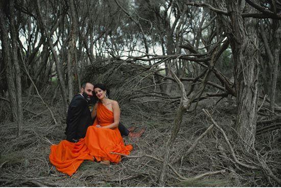 3 hochzeitskleid in orange hochzeit im Wald Kontrast wunderschoen Hochzeit in Orange – Eine Farbe für Herbst und Lebenslust