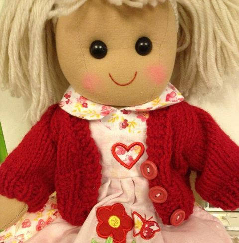 Dolls hand knitted cardigans ,they fit our traditional rag doll range 14-16 inch and we also do a larger size that is suitable for Baby Annabel, Choo Choo and Baby Born.