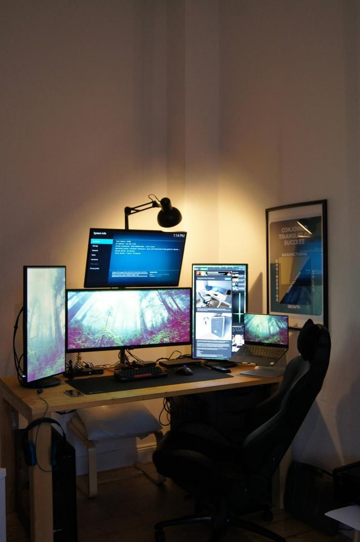 9c13ce64d2bf7 My 5-screen work gaming setup - Album on Imgur