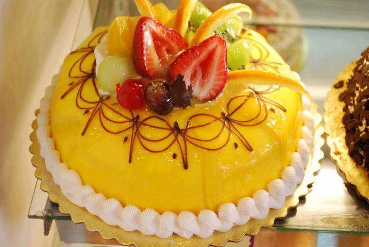 15 best meringue cake recipe images on Pinterest | Petit ...