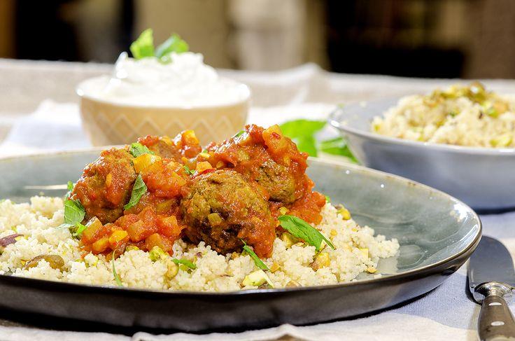 kjøttboller og couscous med tomatsaus