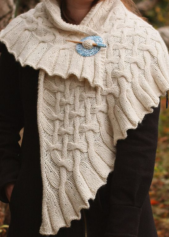 727 best Shawl Patterns images on Pinterest | Knitting patterns ...