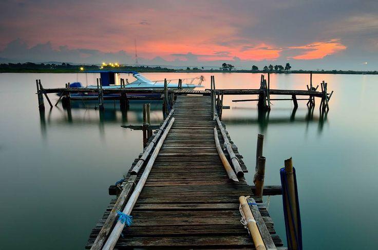 Obyek wisata yang satu ini memang menjadi primadona bagi Dolaners yang sangat menyukai keindahan pantai. Memiliki udara sejuk khas pantai serta pemandangan yang anggun menjadikan Pantai Marina sebagai lokasi terbaik untuk di kunjungi.[Photo by instagram.com/priyankurnia]