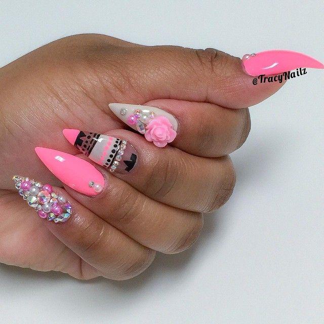 Gorgeous nail art by @tracynailz on instagram, love this set | Decorado de unas | Ongles | Stiletto nail shape