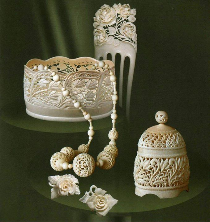 Kholmogorskaya bone carving  | Kholmogorskaya bone carving and fishing has been around for almost 400 years. The masters of this art lived in Holmogory and its surrounding villages. The best work went to the royal court.