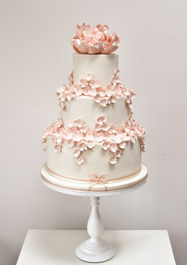 great british wedding cake 17 best ideas about wedding cakes on 14920