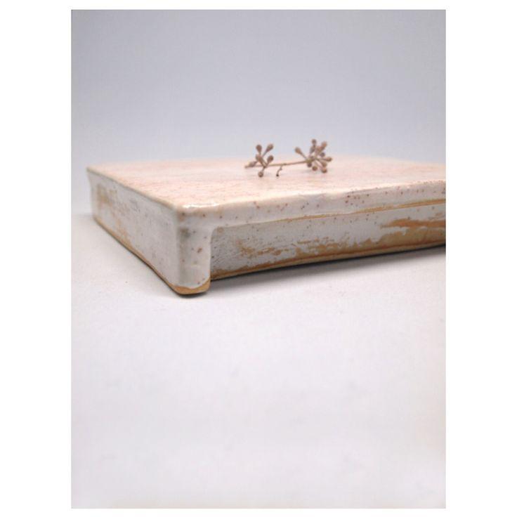 Maum 마음 ㅁㅇㅁ  Ceramic Plate Cherry Blossom  atelier shop PAUL AVRIL 폴 아브릴