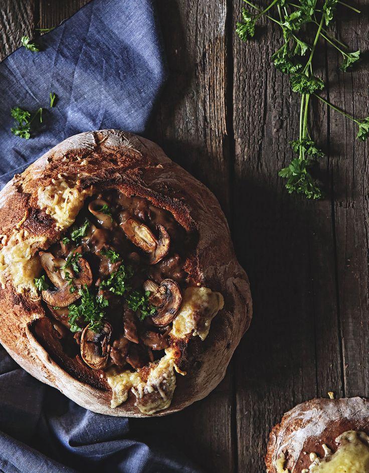 Hovädzie Soté s Hríbami v Syrovom Bochníku – Stvory z kuchyne