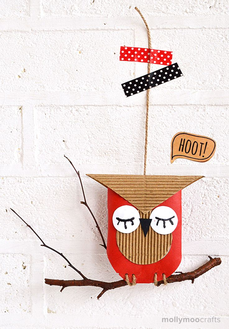 Toilet Roll Owl - Hoot! Hoot! // MollyMooCrafts.com #craftsforkids #fallcraft #owl