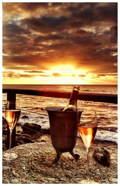 Quem não quer uma vista dessa e uma boa garrafa de vinho? #wine #vinho #paisagem: