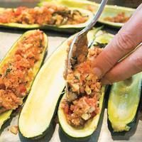 Mama Elsas Stuffed Zucchini|  http://www.rachaelraymag.com/Recipes/rachael-ray-magazine-recipe-search/rachael-ray-30-minute-meals/mama-elsa-s-stuffed-zucchini?esrc=nwdr060812pinc