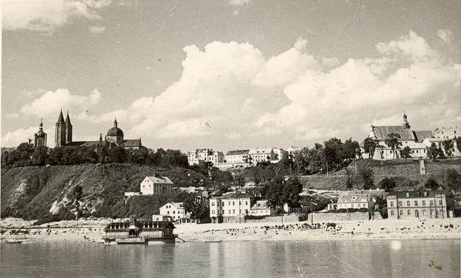 Z rodzinnego albumu Zdjęcie nadesłała p. Urszula Łęczycka Kliknij aby obejrzeć w pełnym rozmiarze