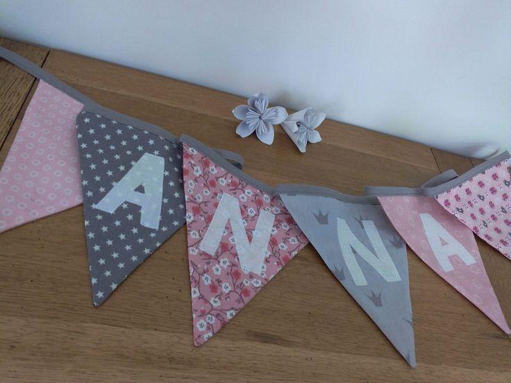 Guirlande / banderole de 6 fanions personnalisée 1.50 mètres en coton rose/gris : Décoration pour enfants par l-etoile-d-a