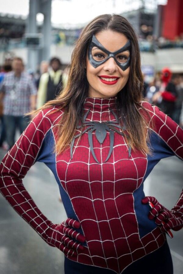Cosplay babes spider woman cums in comic store - 3 8