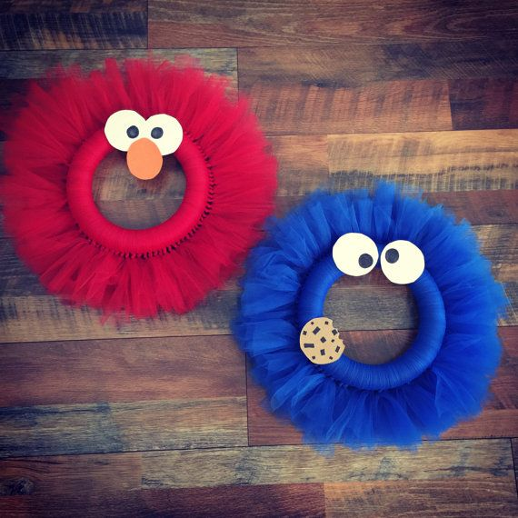 Hey, I found this really awesome Etsy listing at https://www.etsy.com/listing/464259911/elmo-or-cookie-monster-tulle-wreath
