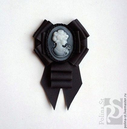 """Брошь-орден с галстучком """"Ночная прогулка"""" - чёрный,серый,брошь,брошь-орден"""