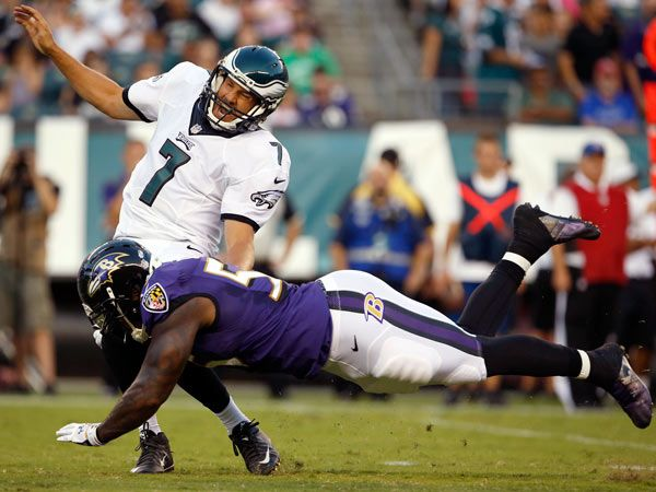 Why Terrell Suggs Hit On Eagles' Sam Bradford was Justified & Illegal - http://movietvtechgeeks.com/why-terrell-suggs-hit-on-eagles-sam-bradford-was-justified-illegal/-Terrell Suggs had every right to hit the Philadelphia Eagles' Sam Bradford on the play that drew a 15 yard penalty on T Sizzle. Hitting him was justified. The hit at the knees was the problem.