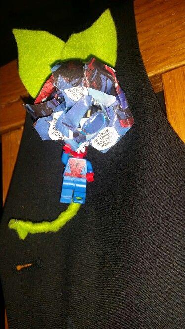 Spiderman comic rose and figure boutinnier #kazzatsdesigns #comicrose #funboutinnier #funbuttonhole