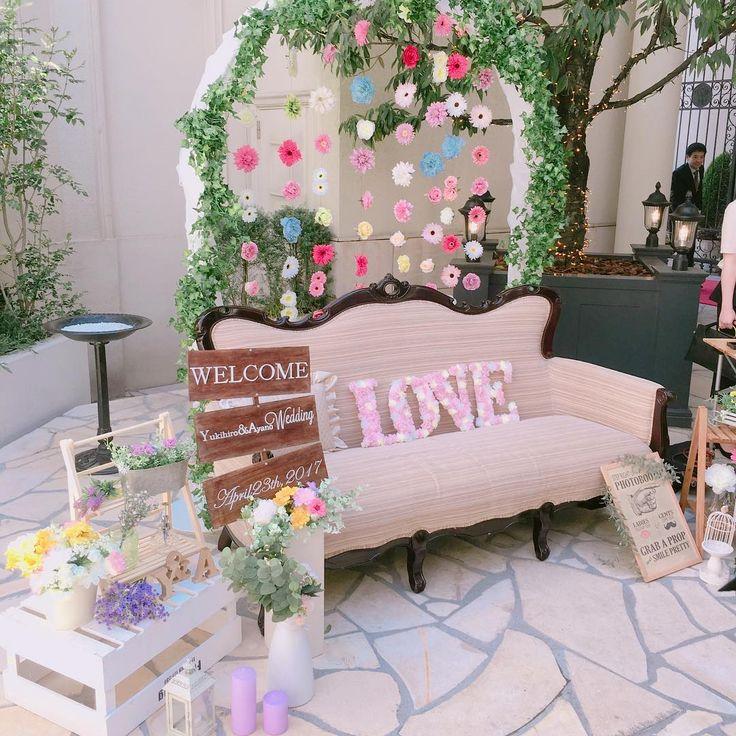 ソファやベンチを使った可愛いフォトブースまとめ|結婚式会場装飾 | marry[マリー]