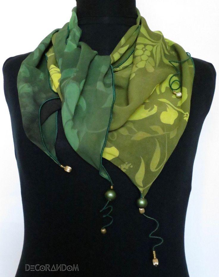 scialle verde,fantasia fiori,sciarpa leggera,copri spalle,stola,collana…