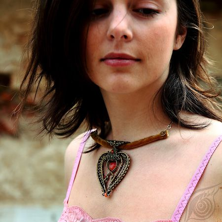 wire-wrapped brass necklace Golden Pekoe; antiqued, vintage style; by Nady; photo by Monika Hulova