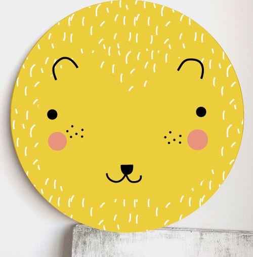 Rund väggdekoration i trä - Björn gul