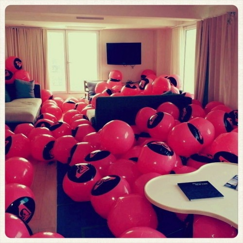 Filling A Hotel Room With Beach Balls As SurpriseAMAZING