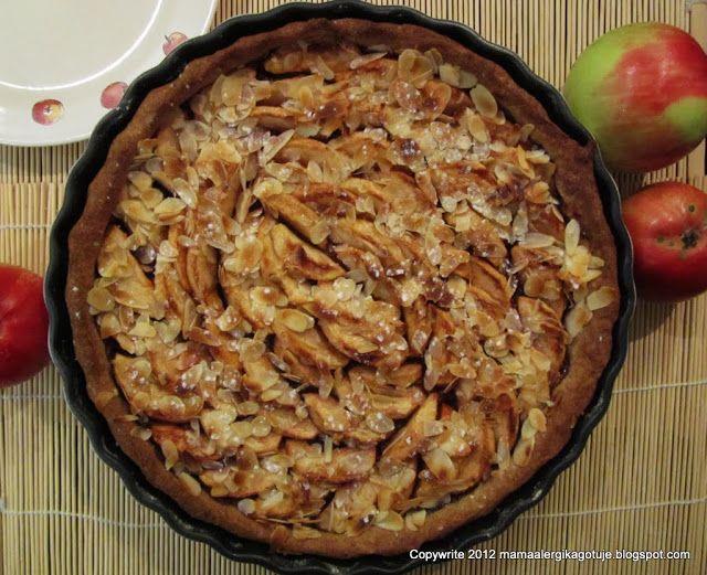 """Jesień i jabłka są nierozłączne, więc czas na kolejne ciasto, tym razem na szarlotkę razową. Wykonanie jak zawsze proste i szybkie, a ciacho smaczne i zdrowe. Pakowałam je po kawałku dzieciom i mężowi na II śniadanie.Wczoraj upiekłam aż 4 ciasta, a właściwie piekłam 3, bo czwarte wymagało tylko schłodzenia. Mój mąż tak """"na do widzenia"""" …"""