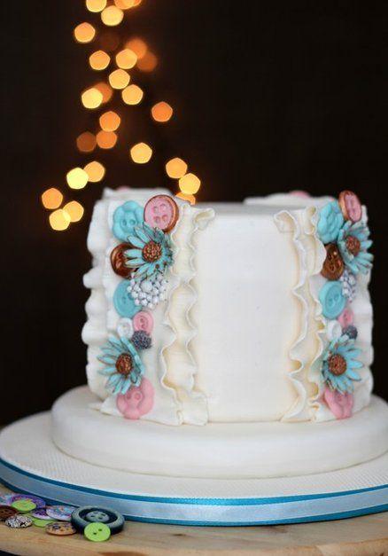 Vintage button cake