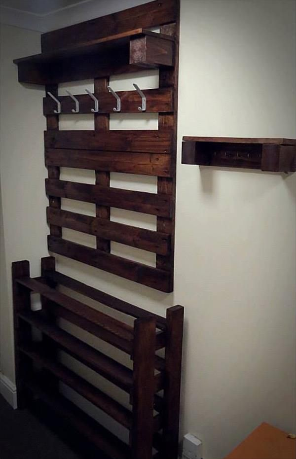 387 best pallet coat racks u0026 coat hangers images on pinterest wood shelf pallets and apartment bathroom decorating