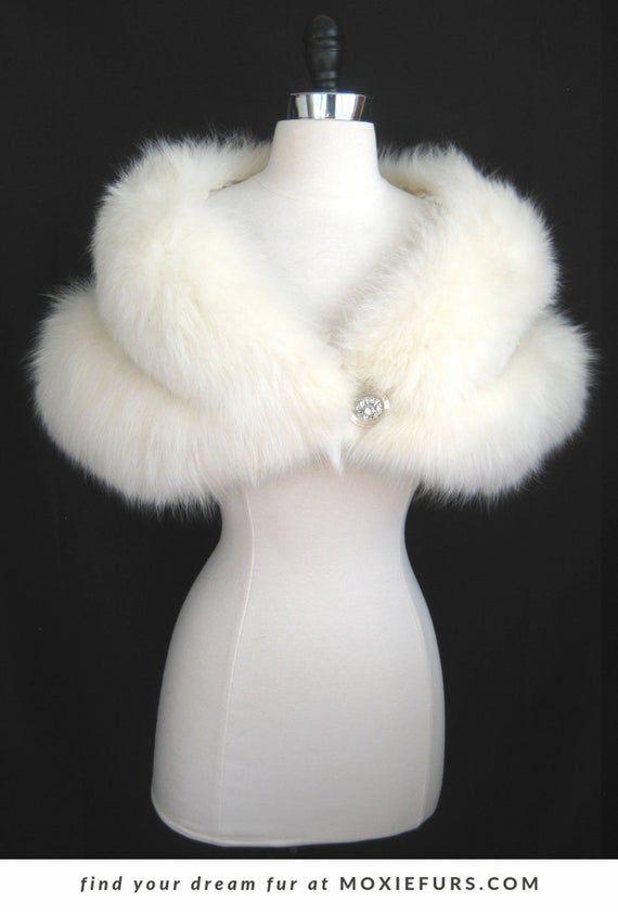 Vintage White Faux Fur Cape Capelet Shawl Wrap for Winter Wedding it Photo Shoot 1960s