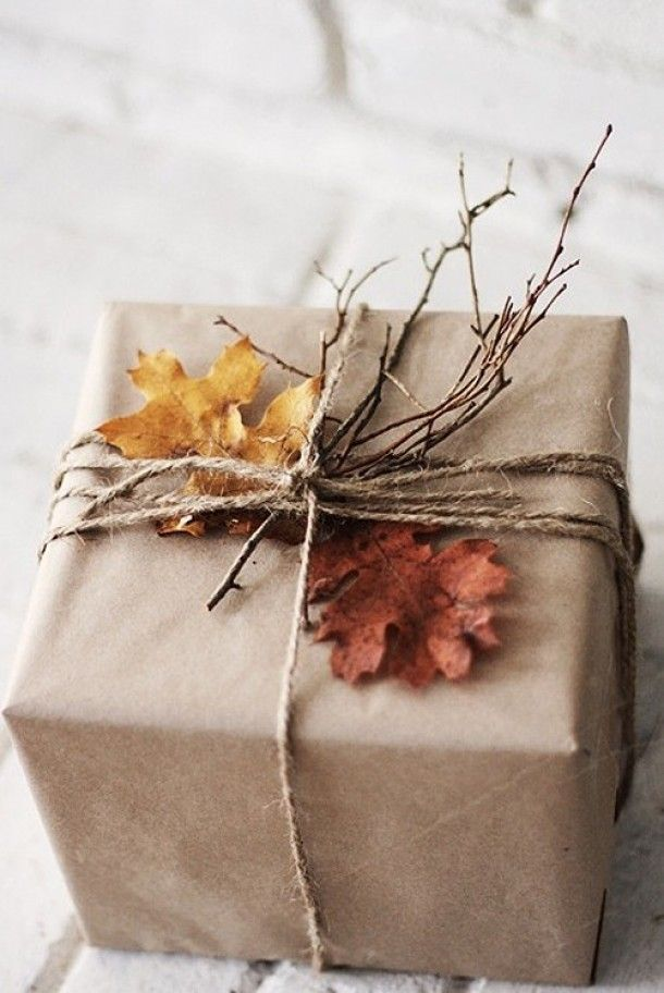 autumn gift wrapping : gorgeous and natural;; it's all about presentationKraft Paper, Autumn Leaves, Gift Wrapping, Autumn Gift, Gift Wraps, Wrapping Ideas, Wraps Gift, Brown Paper Packaging, Wraps Ideas