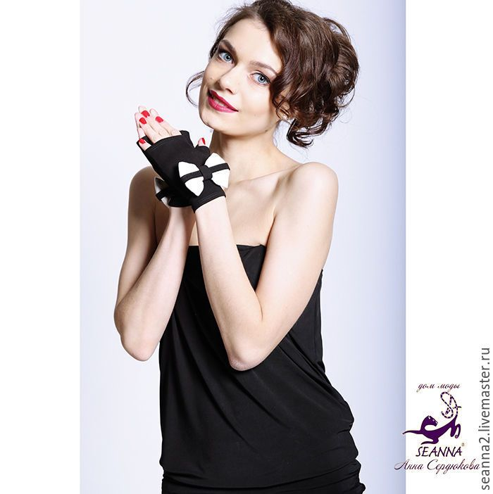 """Купить Митенки """"В стиле Chanel с бантиком"""" безразмерные эластичные короткие - чёрно-белый, перчатки"""