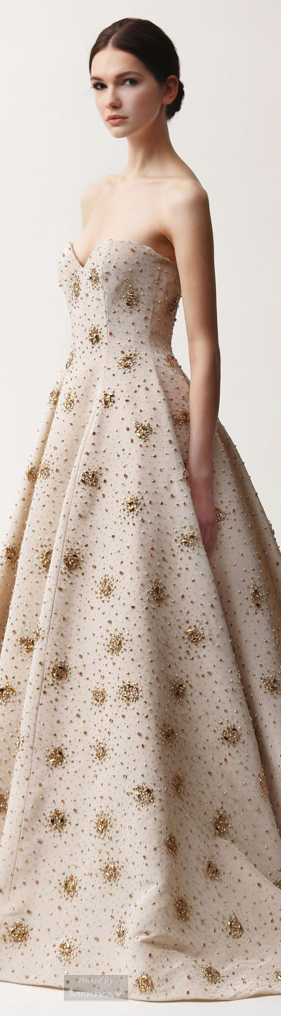 Naeem Khan.Pre-Fall 2015. Flawless princess, sweetheart neckline gown, with clusters of glittered gold.