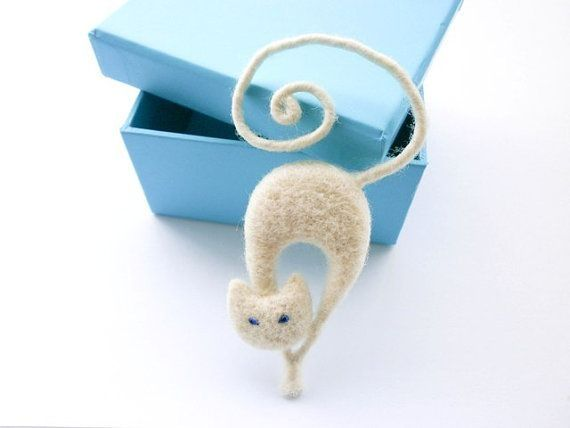 Needle felted brooch White cat by katina
