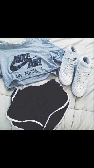 crop top nike air force 1
