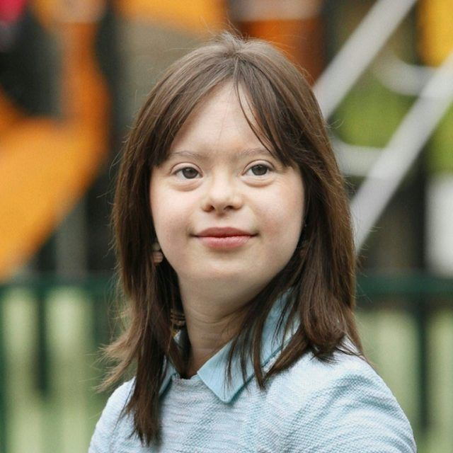 Melanie Segard, a 21-year-old French woman with Down's Syndrome, will begin training for a weather broadcast next Tuesday at the studios of public television station France 2, UNAPEI said in a statement