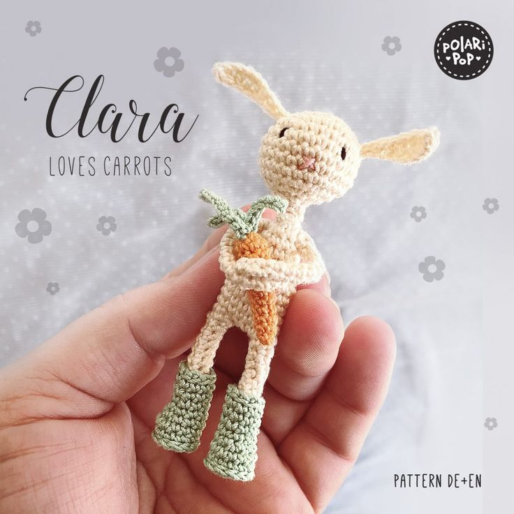 Clara loves carrots! Amigurumi crochet pattern at www.polaripop.com  Clara liebt…