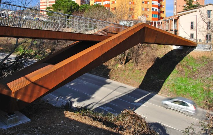 Built by Alfa Polaris in Granollers, Spain with date 2010. Images by Xavier Font. 1. Introduction   The construction of this footbridge is an old claim of the inhabitants of the two neighbourhoods se...