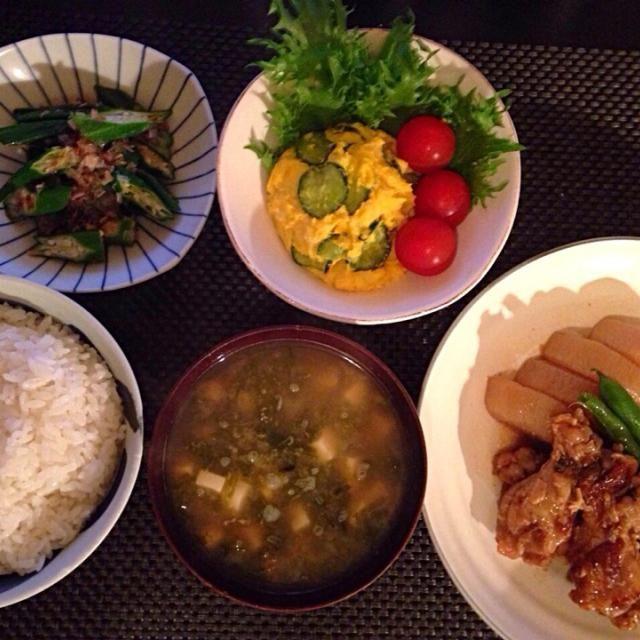 かぼちゃとさつまいも 普段は甘くて食べないので全く買わないのですが、 犬用に買ったので、使えってみましたが、やっぱり ご飯のおかずにはならない(ー ー;) と 思いました。 - 13件のもぐもぐ - 鶏手羽元と大根のガーリック煮、カボチャのサラダ、おくらのおひたし、豆腐とあおさのお味噌汁 by Ayumiazu