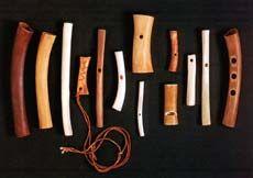 fischietti e flauti in osso