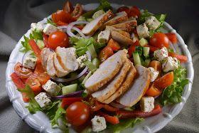 Tein blogissani pienen salaattikyselyn kilpailun yhteydessä. Kysyin mitä aineksia kuuluu omaan suosikkisalaattiisi. Kilpailun suo...