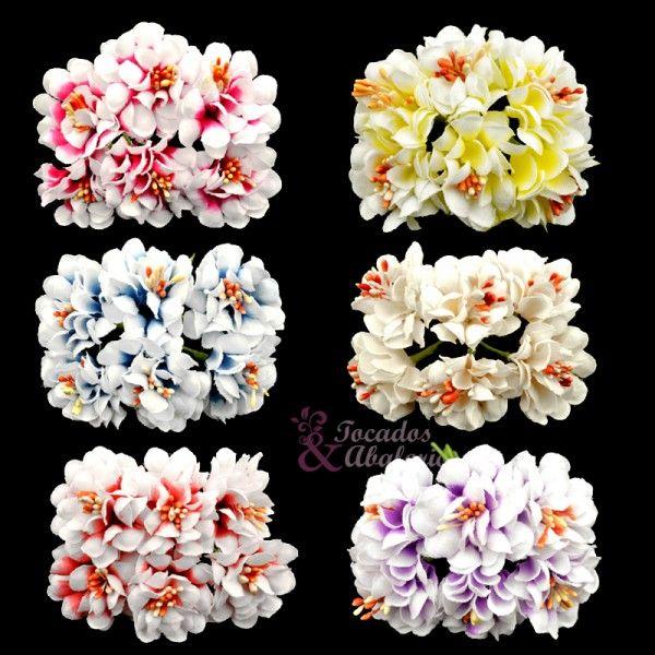 ¡Empecemos el lunes con alegría, con colorido! Flores para tus tocados #floresparatocados