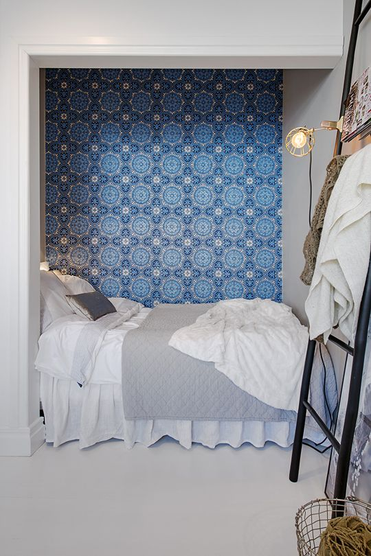 (Really) Small Bedroom Inspiration | Apartment Therapy