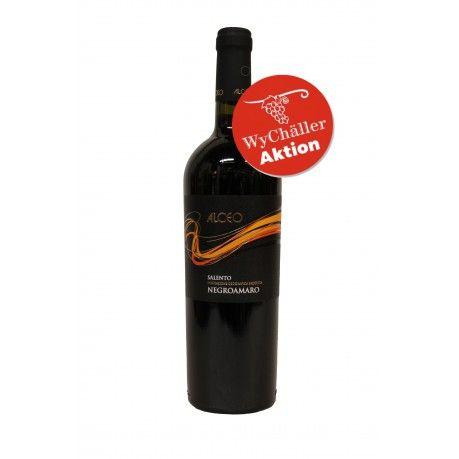 Produktion Der Alceo Negroamaro ist rebsortentypisch ein Wein mit kräftigen Tanninen. Allerdings sind diese sehr gut eingebunden und dominieren nicht, sondern geben ihm das gewisse etwas. Im Glas zeig er sich in einem kräftigen Granatrot und hat ein Bouquet aus vielen dunklen Früchten, Gewürzen und Schokolade. Er schmeckt kräftiger als z.B. der Alceo Primitivo, obwohl er etwas weniger Alkohol hat. Für diesen Wein kann man sich von Schluck zu Schluck schon etwas Zeit nehmen…