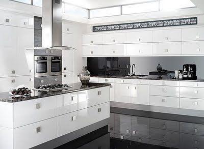 Kjøkken med firkantede knotter